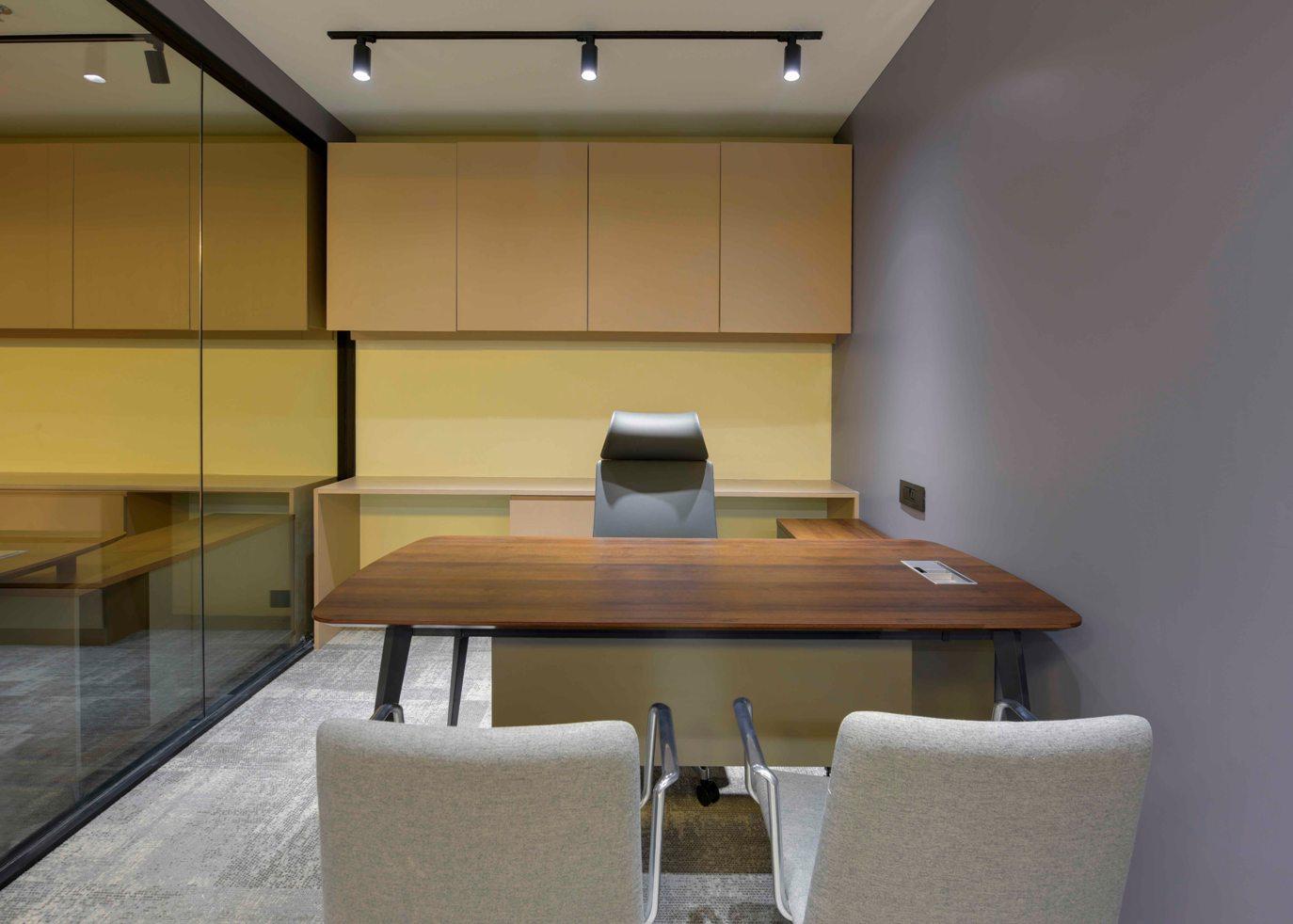 Premium Coworking Office Space Ahmedabad